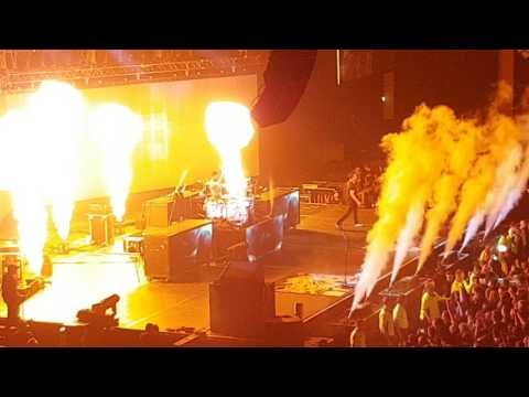 Blink-182 Live Glasgow 2017 Full Show Part 1 includes Feeling This and The Rock Show