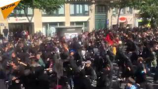 La manifestation de la France insoumise contre la réforme du Code du travail dégénère à Paris