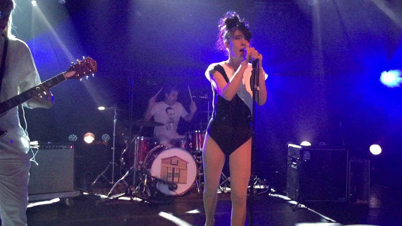 the-julie-ruin-hit-reset-live-in-brussels-2016-thegigsvids