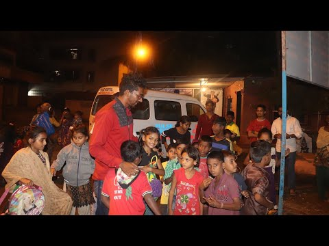 Helping poor people|distributing cloth and foods|2017
