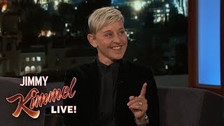 Baixar Ellen DeGeneres Loves Giving Things Away