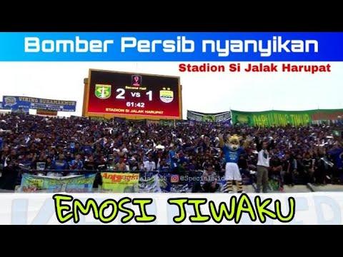 Respect.!! Bomber Persib Fasih Nyanyikan chant emosi jiwaku Bonek di Stadion si Jalak Harupat
