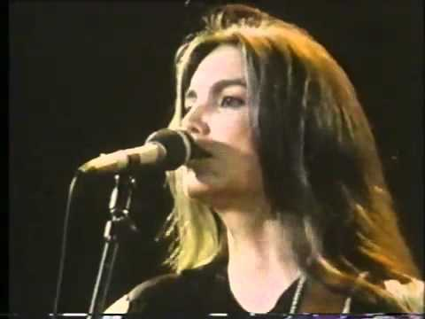 Emmylou Harris And The Hot Band - Two More Bottles Of Wine (Red Rocks Amphitheater in 1984)