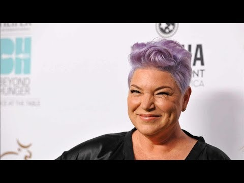 Mindy Cohn is Lesbian? Or she is married and has a husband? Know here!