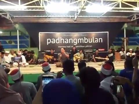 Letto - Ruang Rindu (Acoustic) Padhangmbulan, 11 Mei 2017