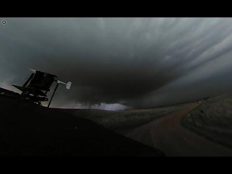 INTENSE: 360 Video of Dominator 3 intercepting tornado southwest of Tescott, KS