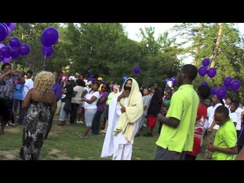 Community rallies in support of victims of domestic violence