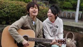 映画少年メリケンサックでマサル(勝地涼さん)が歌っている曲です。
