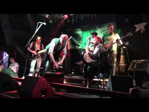 Green Crow pub-folk band in Money-Honey club SPB 26.07.2013