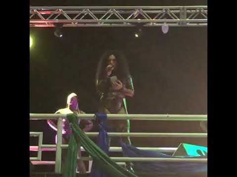 Gloria Groove canta Quebrada Queer + discurso durante Feira Cultural LGBT em Brasília