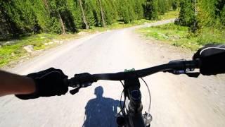 Скоростной спуск на велосипедах с Улаганского перевала.(В этом видео я сделал одну ошибку, она могла обернуться мне катастрофой..., 2013-10-24T19:52:38.000Z)