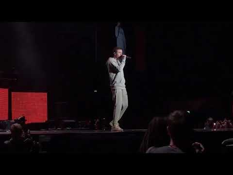 Bedroom Floor - Liam Payne (KissHousePartyLive)