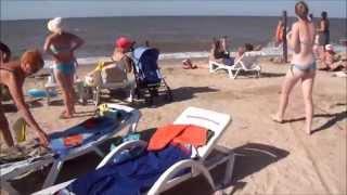 Центральный пляж Голубицкой июль 2014 года(Видео снято 1 июля 2014 года. На видео Центральный пляж Голубицкой. станица Голубицкая Темрюкского района,..., 2014-07-01T07:47:23.000Z)