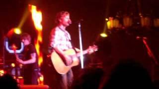 Dierks Bentley - I Wanna Make You Close Your Eyes LIVE (Iowa City, 4/23/09)