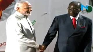 رئيس زيمبابوي يسقط مرة أخرى!