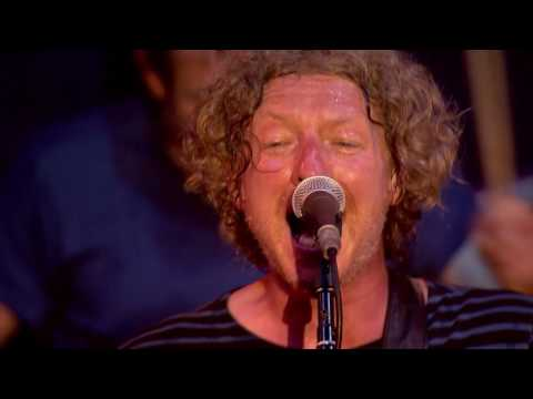 Cast- Alright - Live at the Isle of Wight Festival 2016