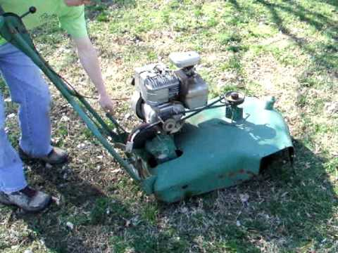 Picture Of A Lawn Mower >> Vintage Snappin Turtle Mower - YouTube