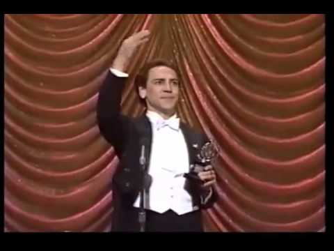 Robert Lindsay wins 1987 Tony Award for Best Actor in a Musical