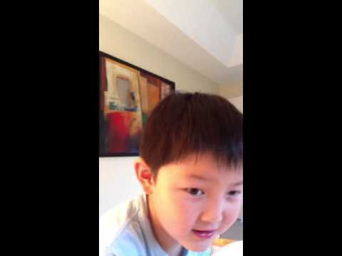American-born Chinese boy recites Chinese classical literature.