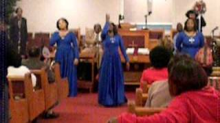 Expressions of Praise: God Favored Me By Hezekiah Walker