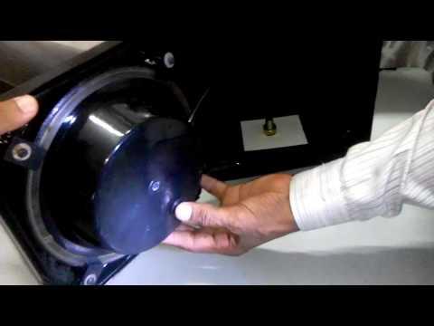 Demonstration of  Solar traffic Blinker 200 mm Plastic Body