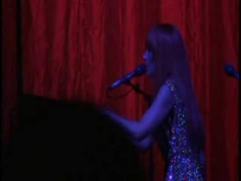 Tori Amos Mother Revolution  Live
