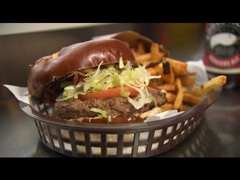 Chicago's Best Burgers: American Wildburger