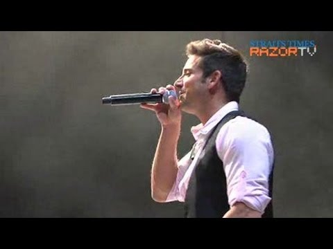 Timmons' performance marred by glitches (The Greatest Hits Tour: Jeff Timmons of 98 Degrees Pt 3)