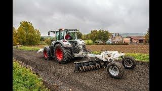 Niveleuse de tracteur pour routes forestières et graveleuses