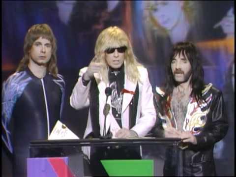 "Van Halen Wins Favorite Heavy Metal Album Award For ""For Unlawful Carnal Knowledge"" - AMA 1992"