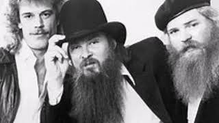 Watch ZZ Top Move Me On Down The Line video