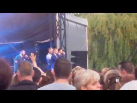 Boyzone Thousands Of People Descended On Newark Festival (3)