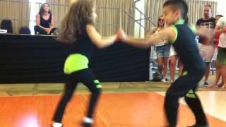 Salsa Dansı Yapan 2 Muhteşem çocuk!