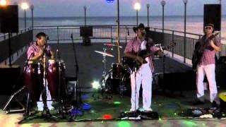 Вечером на Чёрном море, п. Ольгинка.(Музыканты из Перу создают атмосферу отдыха., 2015-09-17T16:49:54.000Z)