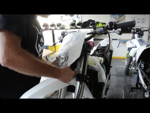 Unboxing Husqvarna Motorcycles 2018 FE 450 And FE 350 - Unboxing Video