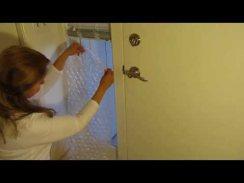 elle met du papier bulles sur ses fen tres chaque hiver une id e qui va vous faire conomiser. Black Bedroom Furniture Sets. Home Design Ideas