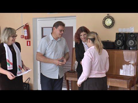 «Белая Русь» помогает многодетным семьям подготовить детей к новому учебному году