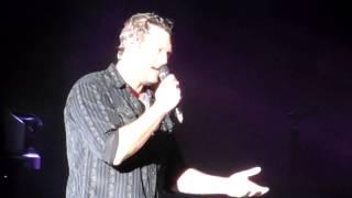 Danielle Bradbery intro (Blake Shelton tries to sing 'The heart Of Dixie')