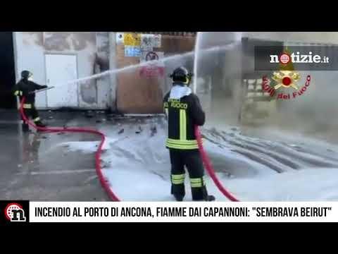 Ancona, incendio devasta il porto: le terribili immagini