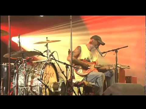Seasick Steve - Dog House Boogie (Live @ Lowlands 2011)
