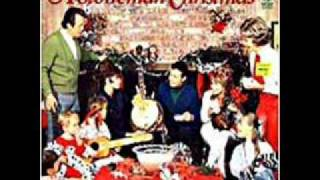 The Stoneman Family - Santa Played The Autoharp