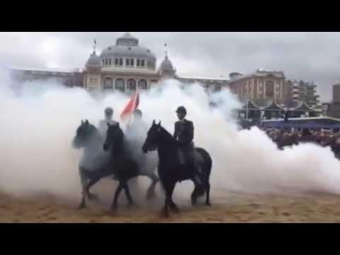 Travel Video - Strandoefening Prinsjesdag Cavalerie Ere-Escorte