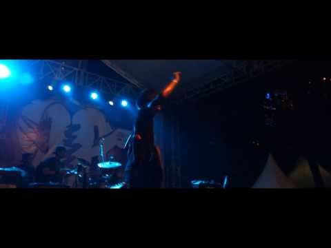 Sekumpulan Orang Gila - Malaysian Invasion (Live Music Video)