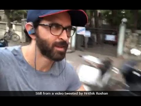 Hrithik Roshan accepts fitness challenge, cycles on Mumbai roads