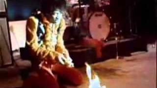 Jimi Hendrix Sets Guitar On Fire at Monterey Pop Festival 1967 - YouTube.flv