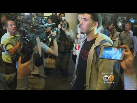 3 UCLA Basketball Players Return From China To Mob Scene At LAX