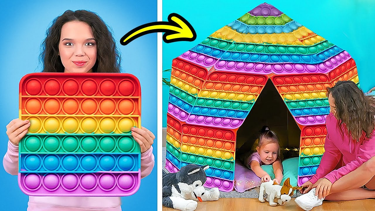 POP IT PLAYHOUSE! 🌈🏠    Fantastic Home Decor Ideas And DIY House Crafts With Cardboard