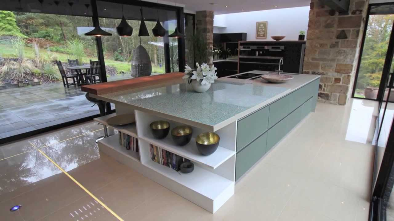 Lwk kitchens german kitchen design trends 2014 youtube for Modern german kitchen designs