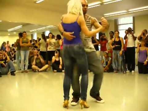 Blonde dancing final