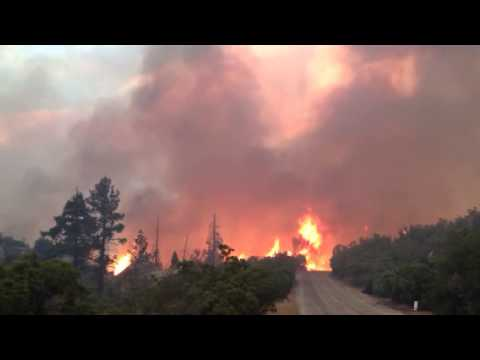 raw video mountain fire continues to burn near idyllwild youtube. Black Bedroom Furniture Sets. Home Design Ideas